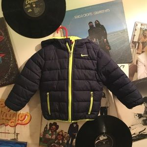 NIKE BOYS HOODED PUFFER JACKET 24MO